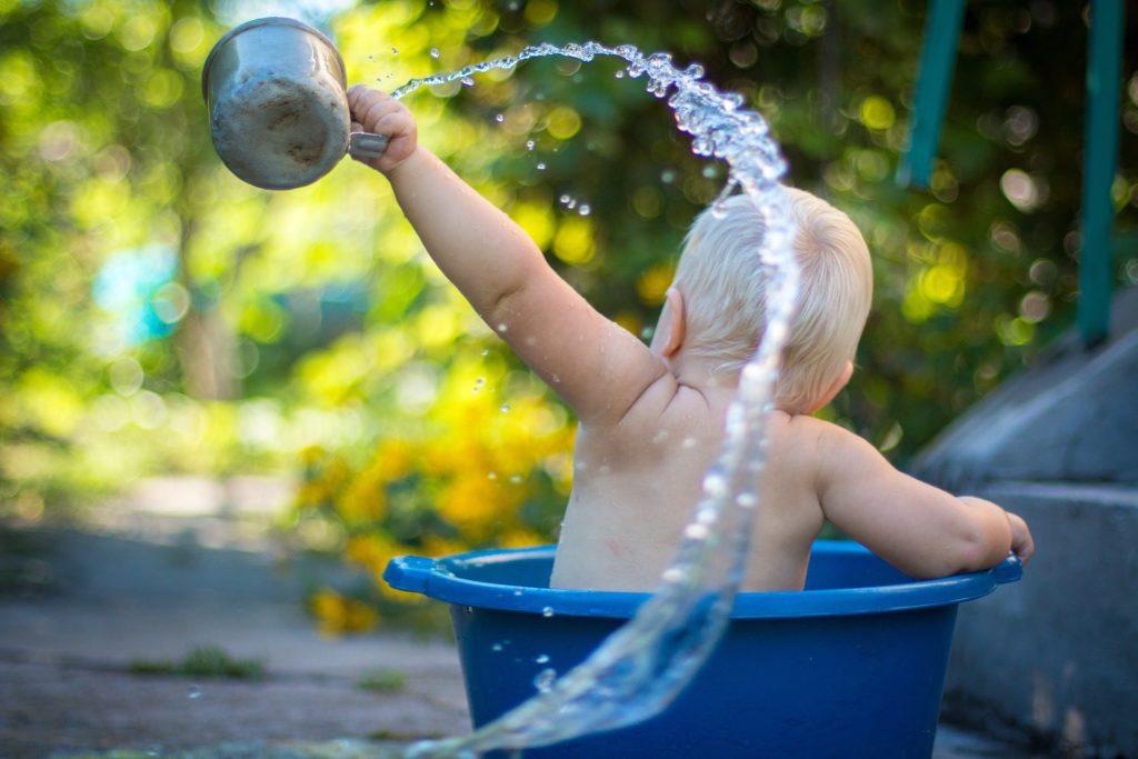 Le bain et soins de l'ombilic 2